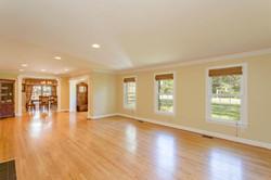 7216 University Dr Richmond VA-large-010-7-Living Room-1500x1000-72dpi