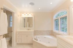 2 Raven Rock Ln Richmond VA-large-038-29-Master Bathroom-1500x1000-72dpi