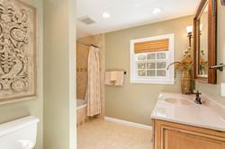 7216 University Dr Richmond VA-large-027-23-Bathroom-1500x1000-72dpi