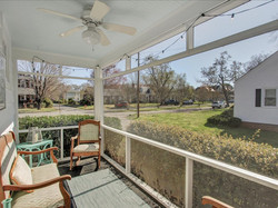 10-Screened-in_Porch