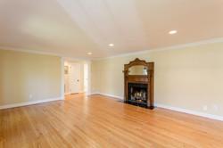 7216 University Dr Richmond VA-large-011-16-Living Room-1500x1000-72dpi