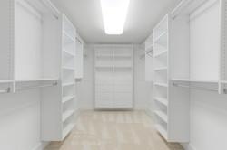 2 Raven Rock Ln Richmond VA-large-037-39-Master Closet-1500x1000-72dpi