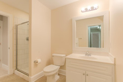2 Raven Rock Ln Richmond VA-large-044-45-Bathroom-1500x1000-72dpi