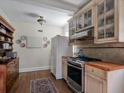 16-Kitchen(2)