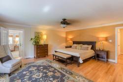 7216 University Dr Richmond VA-large-019-21-Master Bedroom-1498x1000-72dpi
