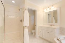 2 Raven Rock Ln Richmond VA-large-040-41-Master Bathroom-1500x1000-72dpi