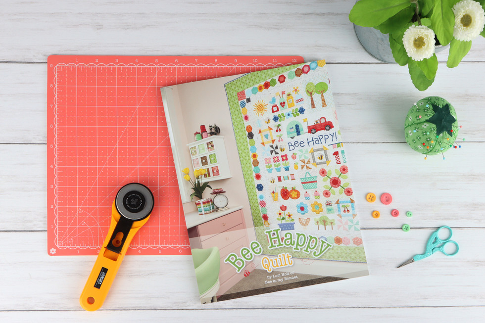 Bee Happy Quilt Book Cover