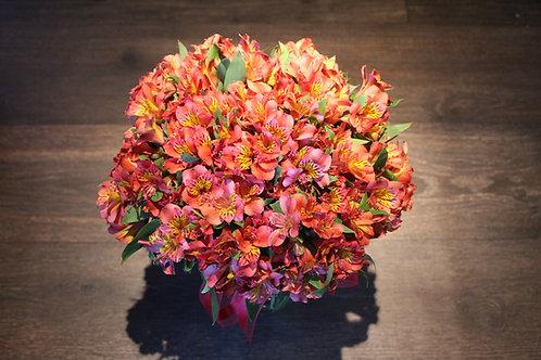 Bouquet  de Alstroemerias em  Jarra