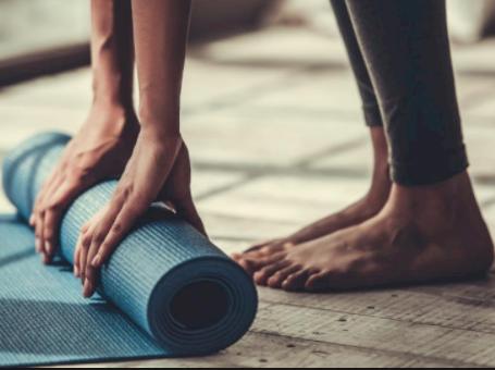Easy Beginner Yoga