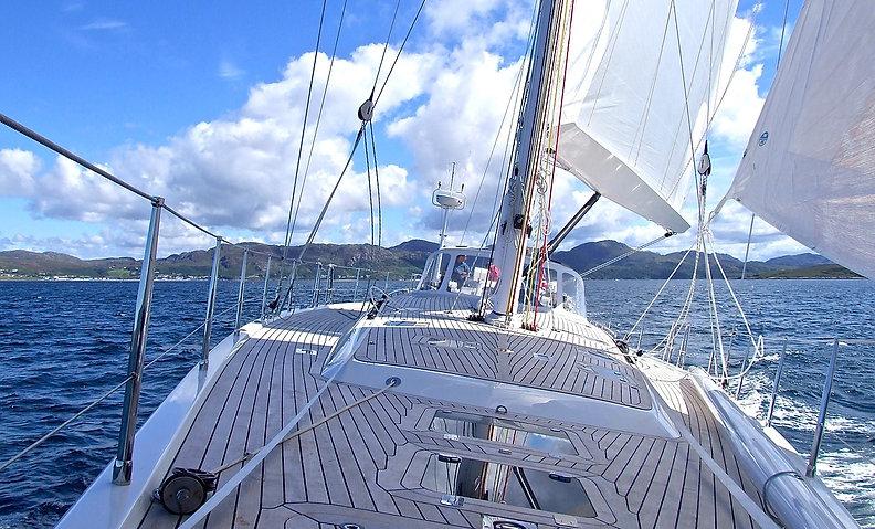 yacht-802319_1280.jpg