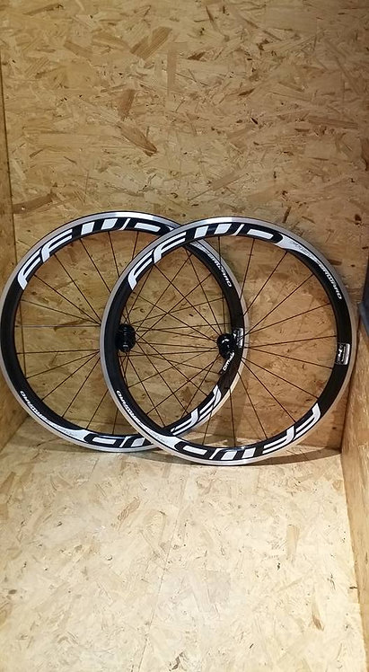ROUES FFWD F4