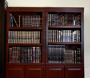 Sefarim shelves v3