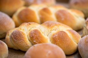 Light brown loaves of challah