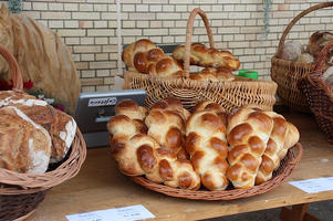 Challah in baskets