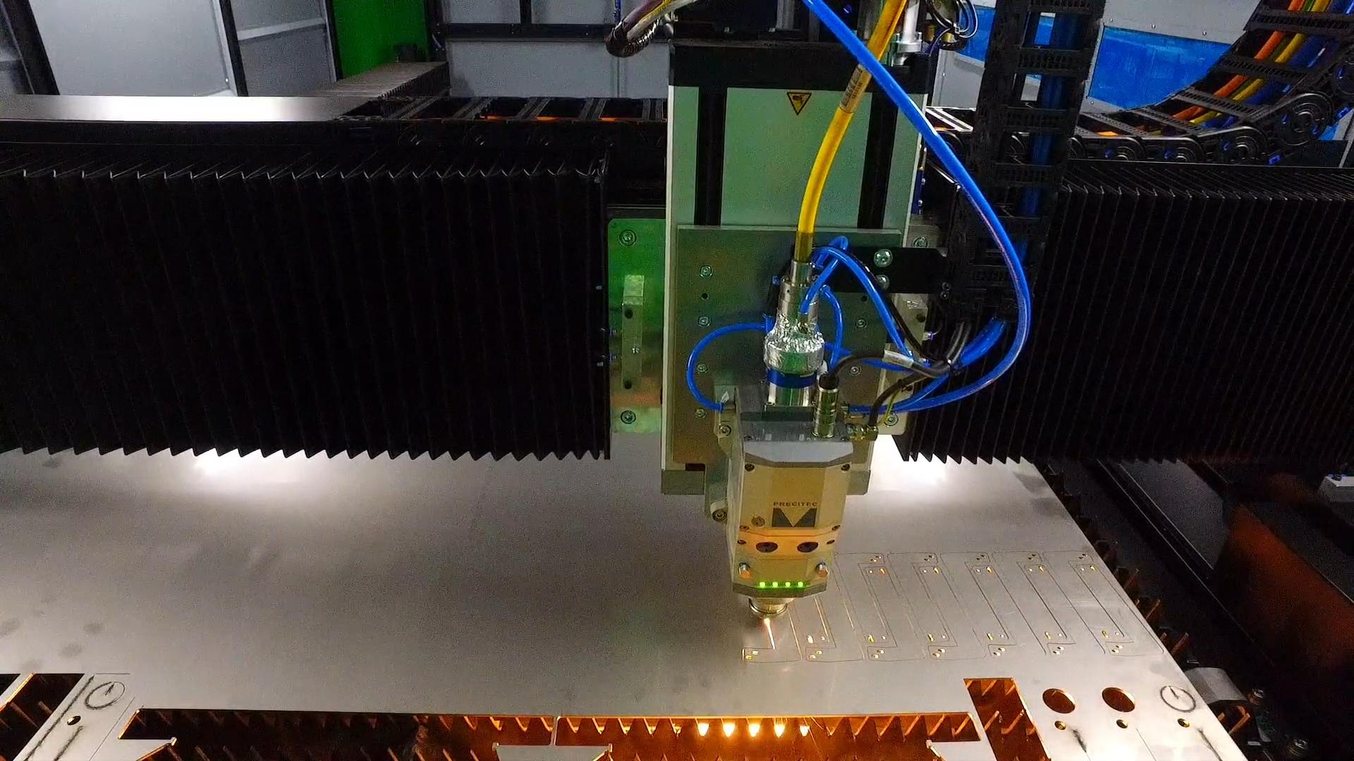 Lemezvágás a Plasma-Tech Systems Kft-nél