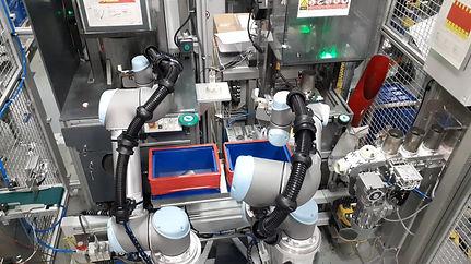 Kollaboratív robottal való anyagmozgatás célgép