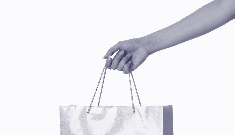 Mono_shopping-hands.jpg