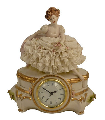 Young lady - Clock