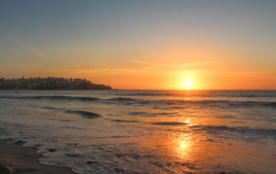 Amanecer en la playa de Bondi