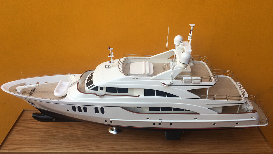 SEA SHELL YATCH PLUS 120 (Fittipaldi)