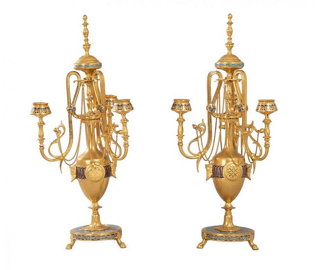 Paire de candélabres en bronze et émail cloisonné - F. Barbedienne