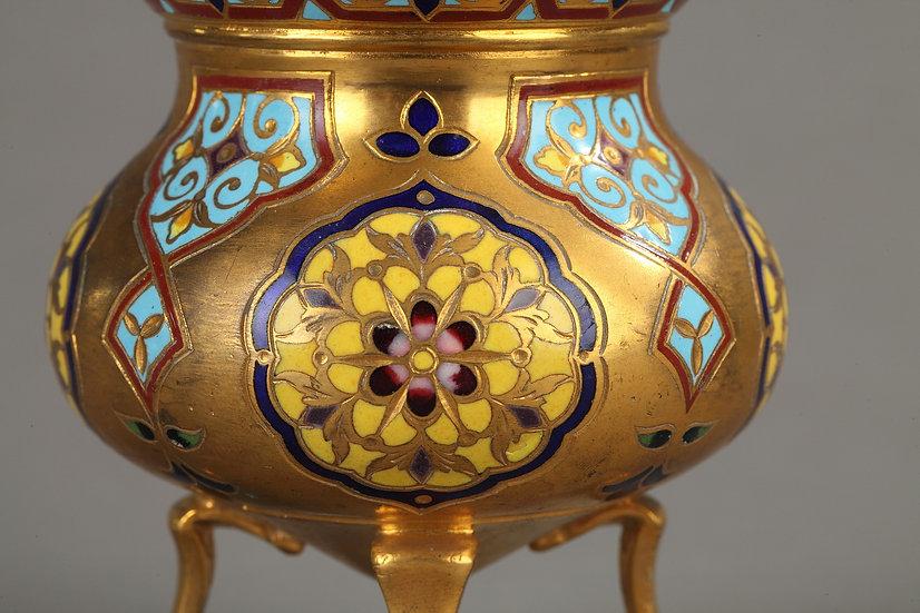 Pot couvert bronze doré et cloisonné