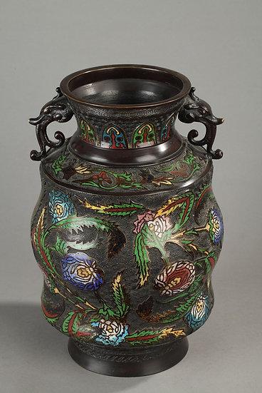 Paire de vases japonisant en bronze cloisonné