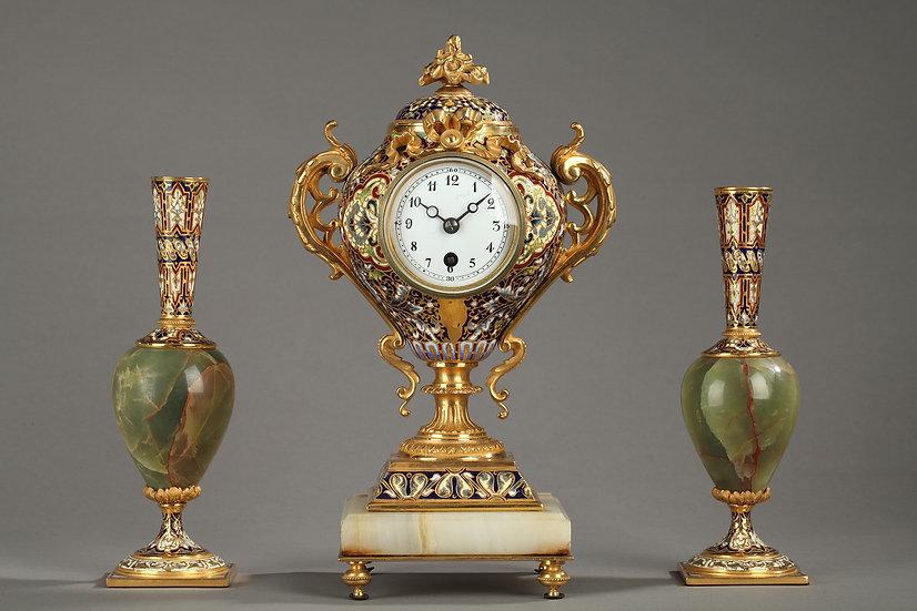 Charmante Garniture En Onyx, Bronze Doré Et émail Cloisonné