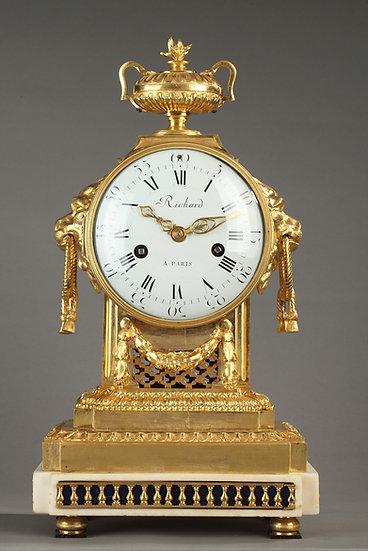 Pendule Louis XVI signée Richard à Paris