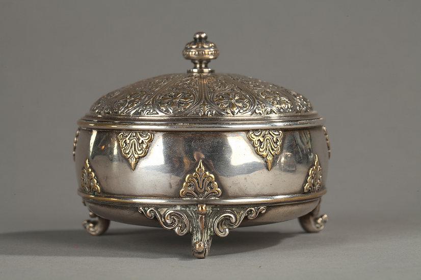 Paire de boites en bronze argenté, F. Barbedienne