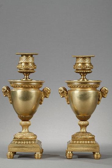 Elégants Bougeoirs-Cassolettes réversibles en bronze doré