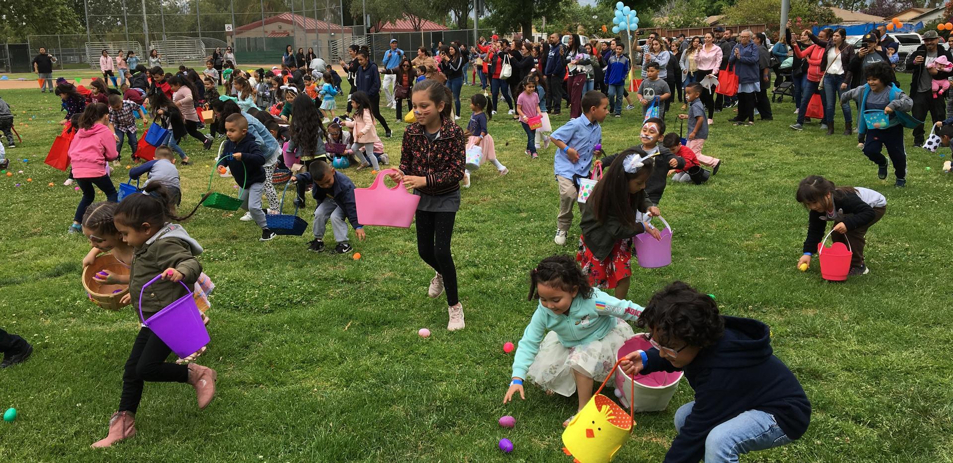 Easter Egg Hunt at Las Palmas Park 2019