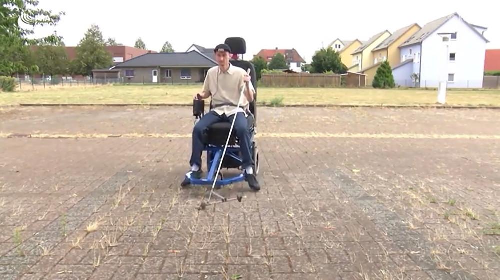 Слабовидящий немец спроектировал электромобиль для незрячих