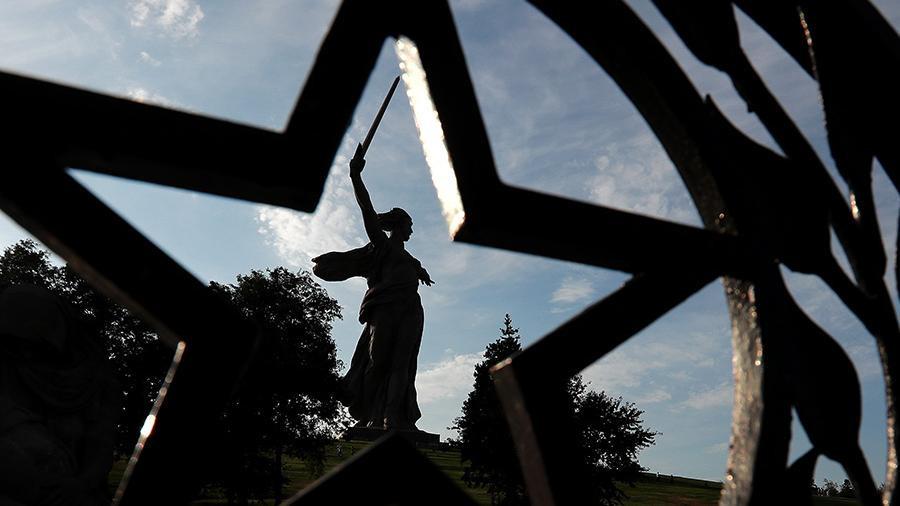«Он же памятник!»: как у скульпторов отнимают их авторские права