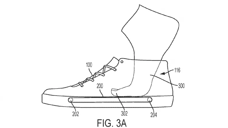 Компания Nike создала конвейер, который затягивает ногу в кроссовок