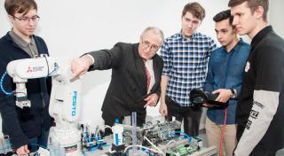 Рекордное количество патентов получил ученый из Приморья