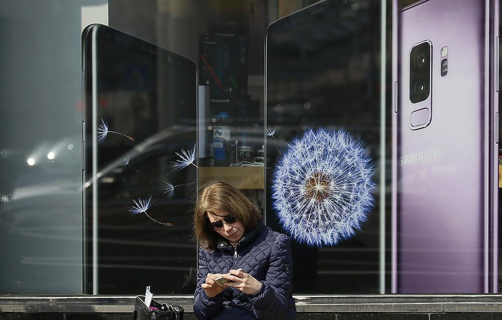 Samsung запатентовал технологию, позволяющую считывать отпечатки пальцев экраном гаджета