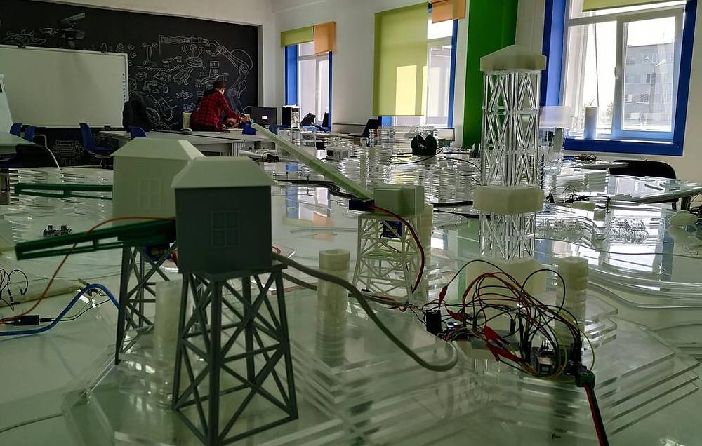 """Участники инженерной школы """"Квантоград"""" в Пензе разработали модель арктической станции"""