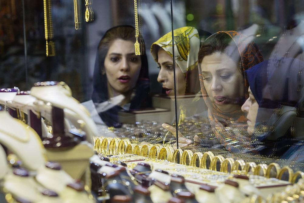Люксовые бренды vs их подделки. Иран
