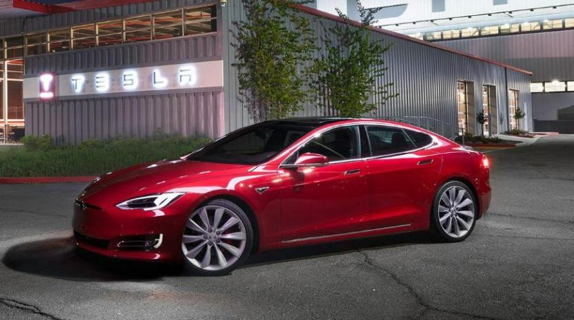 Управление «дворниками» в электромобилях Tesla возложат на нейросеть