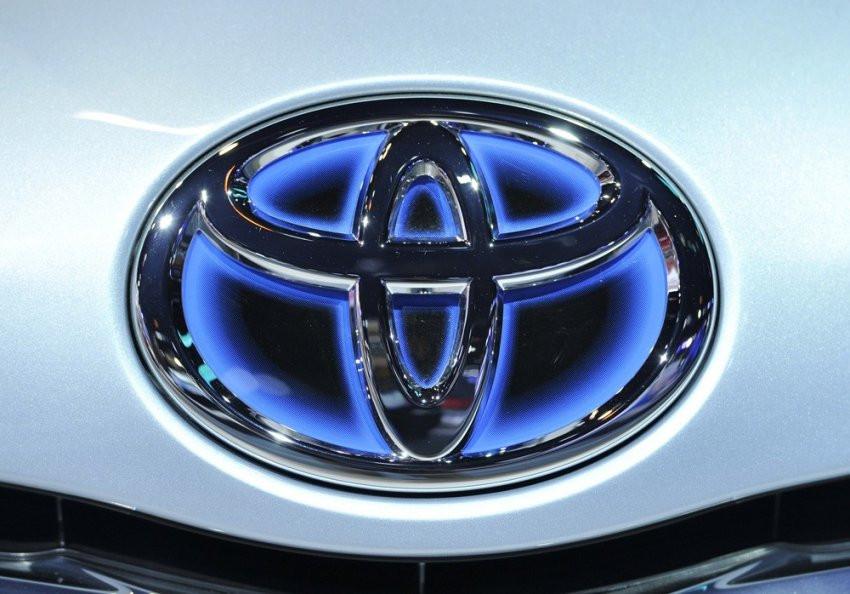 Toyota выпустит беспилотный автомобиль с велосипедными педалями