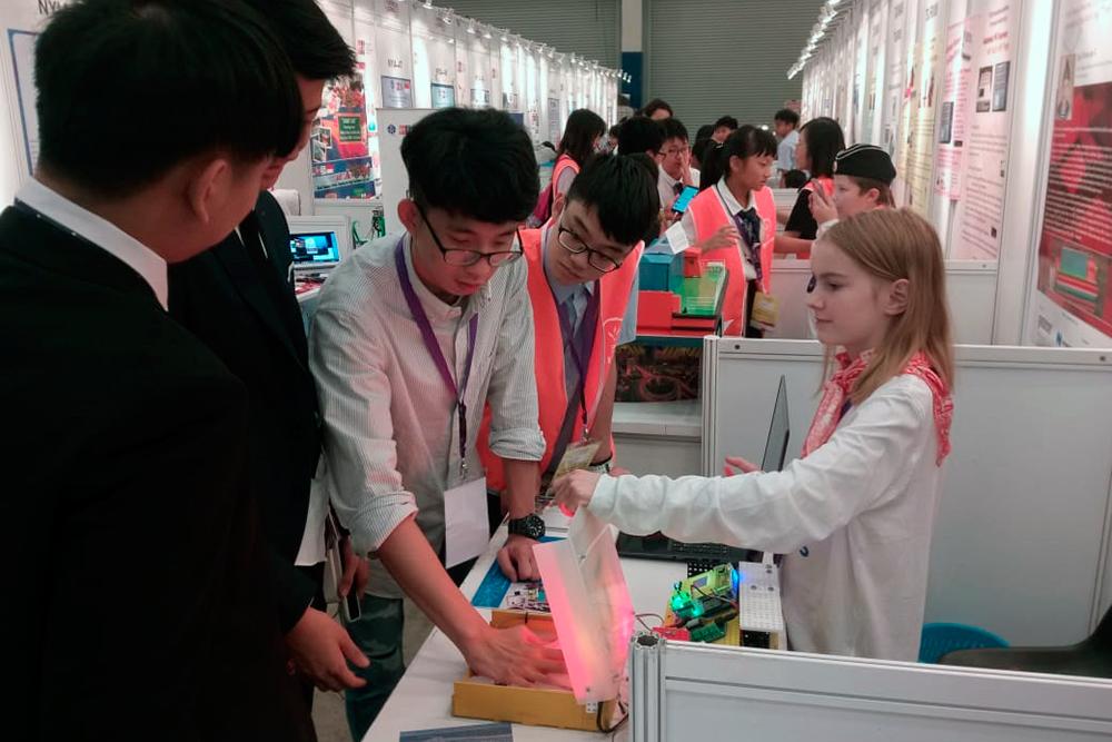 Изобретением школьницы с Урала заинтересовались японцы
