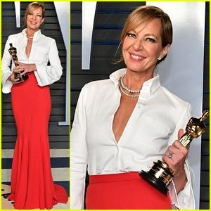 A atriz usou uma saia longa alfaiataria com uma camisa branca clássica no Oscar 2018