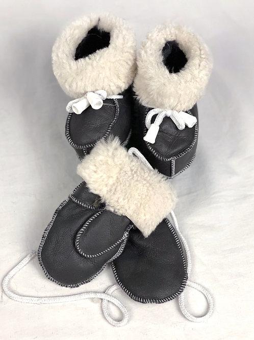 booties & mittens
