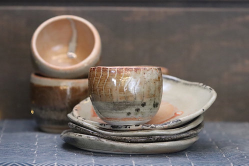 Light Gold and Plate Set