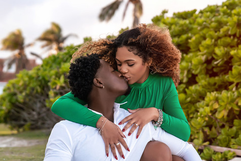 Bahamas Engagement Photos on beach in nassau