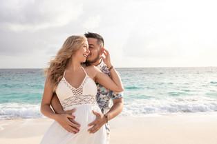 Maternity photography in the bahamas beach.jpg