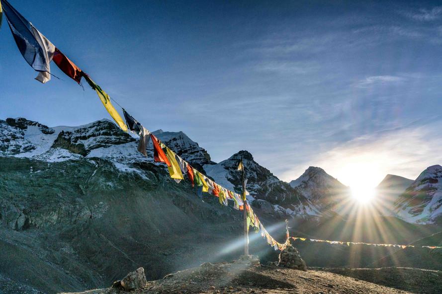 Sunrise below Thorung-la