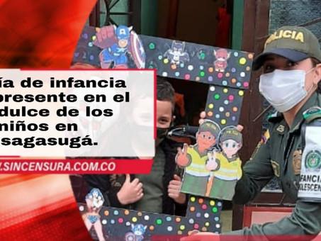 Policía de infancia dice presente en el día dulce de los niños en Fusagasugá.