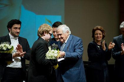 "İş-Sanat2015 ""Meriç Soylu Shining Stars"" award First Price Winner is Ferhat Can Büyük"